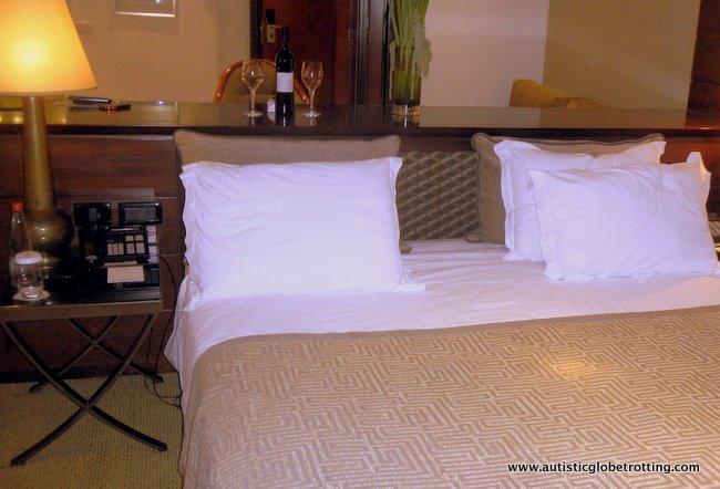Dan Tel Aviv Hotel Welcomes Families bed