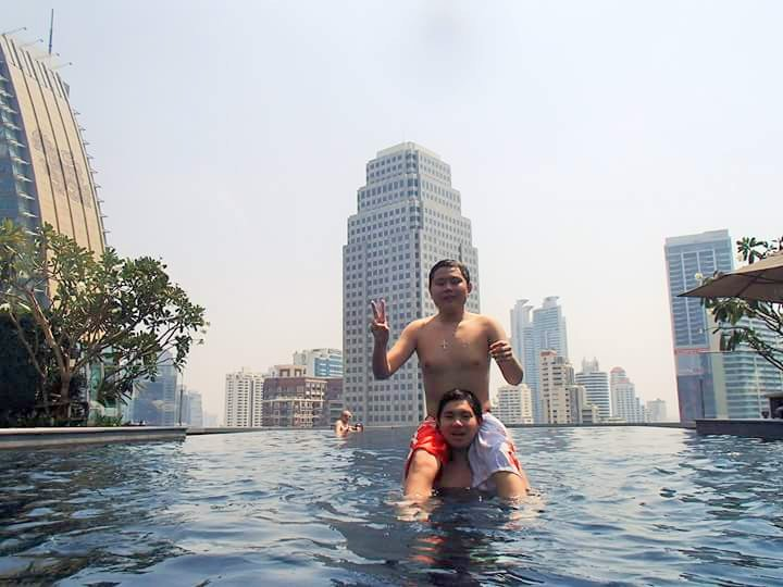 Taking Your Kids With Autism to Bangkok Thailand pool