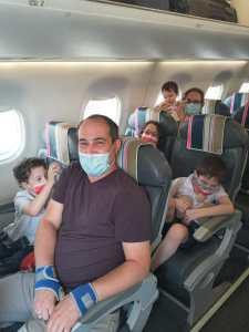 עולים על טיסה ללא ליווי להשתלת תאי גזע בבלגרד