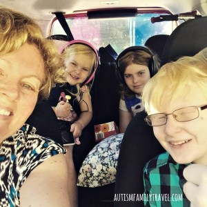 Road trip selfie with kids - www.autismfamilytravel.com