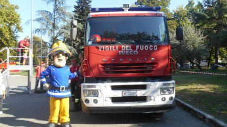 visitare-caserma-pompieri-milano-678x381.jpg