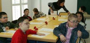 Las clases de logopedia son las más demandadas, tanto por alumnos de necesidades especiales como por el resto. :: IDEAL