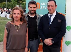 Rocío Rebollo, secretaria de Autismo España; Marcos Zamora, de Autismo Sevilla; y Antonio de la Iglesia, presidente Autismo España.