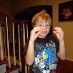 ¿Qué debo hacer para eliminar las estereotipias de mi hijo con autismo?
