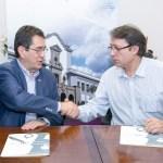 Tras la firma del convenio entre el Rector de la ULL y el Director de  la FAD