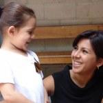 La Maestra Sombra en el autismo: ¿Ayuda o peligro?