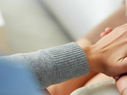 Psiquiatra conforta paciente autista