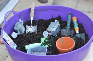 http://theimaginationtree.com/2012/08/60-nature-play-ideas-for-kids.html