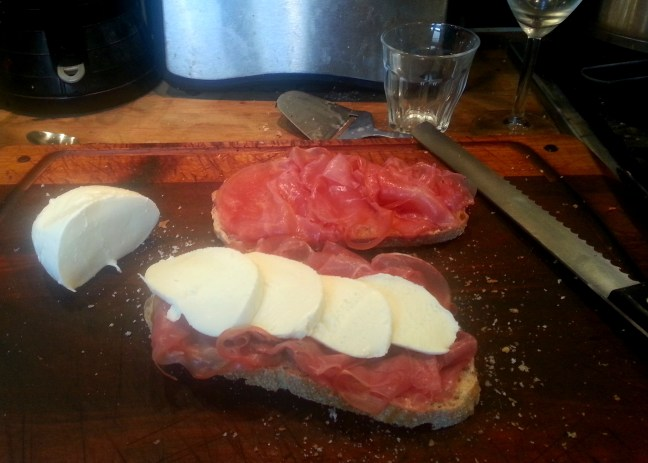 Toast with prosciutto and mozzarella