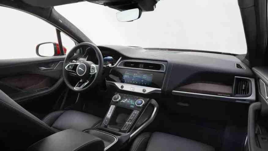 ELECTRIC SUV CAR JAGUAR iPACE