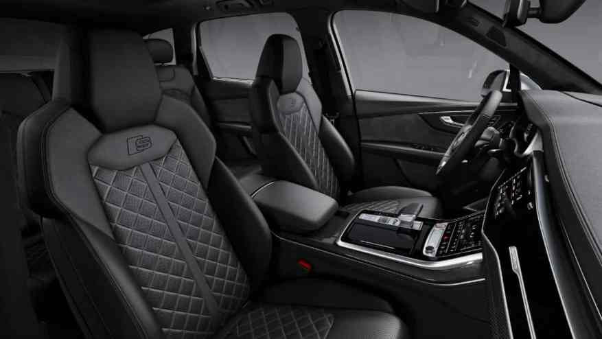 PERFORMANCE SUV CAR AUDI SQ7 TDI