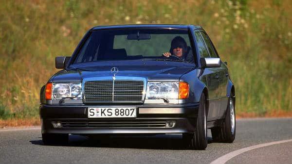 CLASSIC CAR MERCEDES E500