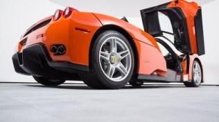 Ferrari_Enzo_Rosso_Dino_2017_prvni_sada_10_800_600