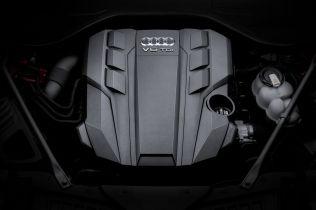 2018-Audi-A8- (54)