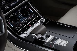 2018-Audi-A8-L- (12)