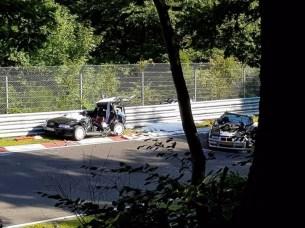olejova-skvrna-nurburgring-nehoda-video-09