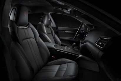 Maserati-Ghibli-GranSport-MY18-interior-sport