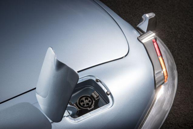 jaguar-y-type-zero-elektromobil- (11)