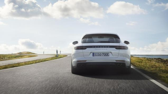 Porsche-Panamera-Turbo-S-E-Hybrid-Sport-Turismo-06