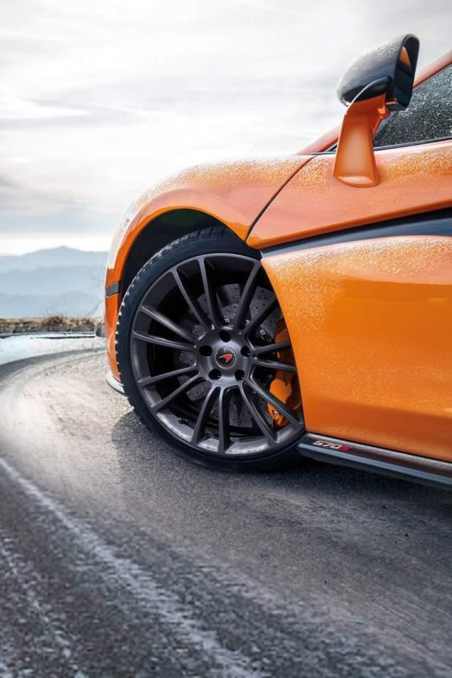 McLaren-Pirelli-MC-Sottozero-III-5