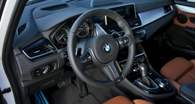 test-2017-bmw-220i-gran-tourer-at-p2