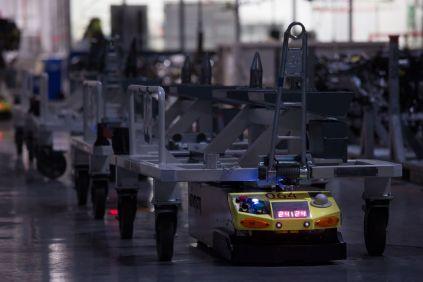 roboty-v-tovarne-seat- (1)