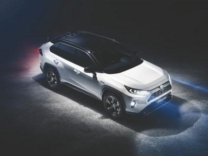 2018-toyota-rav4-hybrid-nyias- (1)
