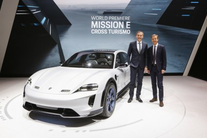 2018-zeneva-Porsche-Mission-E-Cross-Turismo- (1)