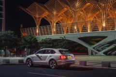 Bentley-Bentayga-Hybrid- (13)