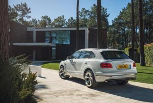 Bentley-Bentayga-Hybrid- (7)
