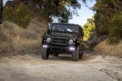 Fusion-Motor-Company-Land-Rover-Defender-V8- (1)