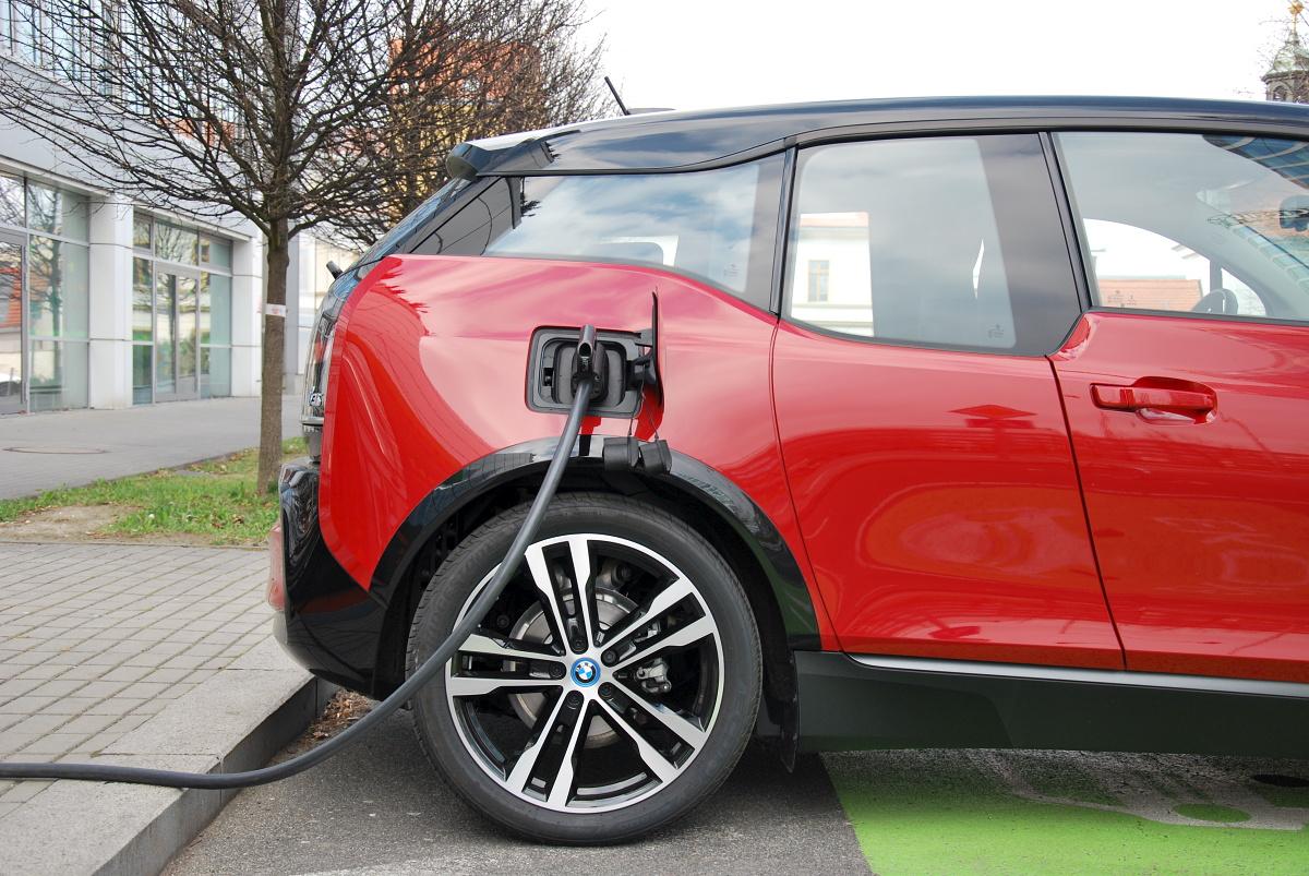 test-elektromobilu-bmw-i3s- (37)