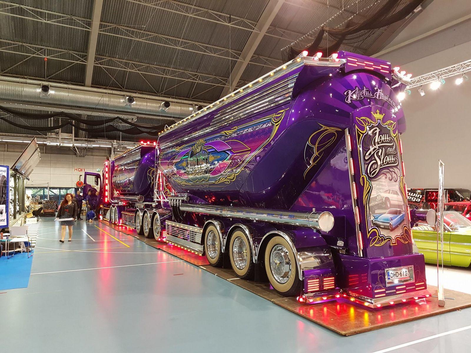 Auvinen-Trucking-Mercedes-Benz-Lowrider-Mika-Auvinen- (6)