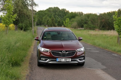 Test-Opel-Insignia-Country-Tourer-20-BiTurbo-CDTI-154-kW-AT8-4x4- (1)