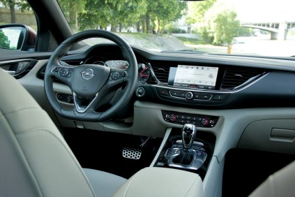 Test-Opel-Insignia-Country-Tourer-20-BiTurbo-CDTI-154-kW-AT8-4x4- (26)
