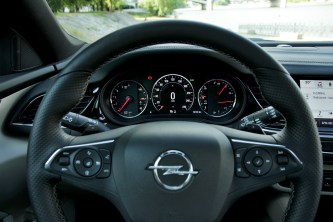 Test-Opel-Insignia-Country-Tourer-20-BiTurbo-CDTI-154-kW-AT8-4x4- (30)