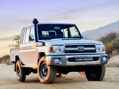 toyota-land_cruiser_j7_hd_pick_up_5