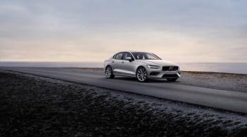 2019-Volvo-S60- (1)