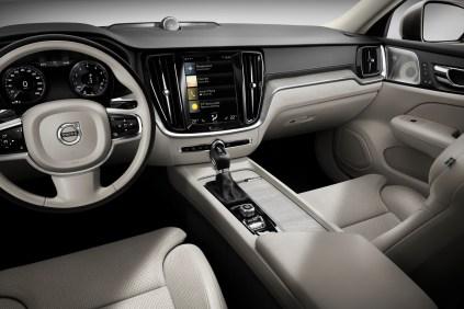 2019-Volvo-S60- (14)