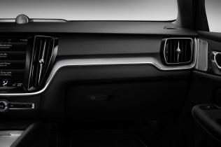 2019-Volvo-S60- (64)