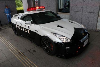 Nissan gtr policie (1)