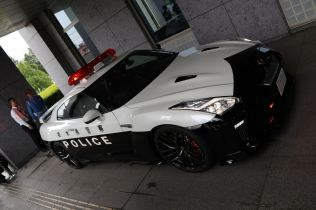 Nissan gtr policie (11)