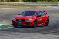 135769_Honda_Civic_Type_R_sets_new_lap_record_at_Estoril_circuit_in_Portugal
