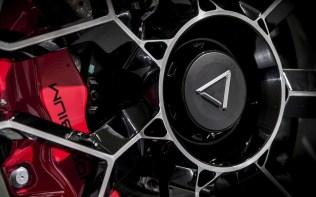 Dendrobium-D-1-supersportovni-elektromobil-5
