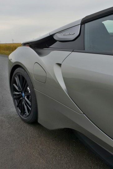 test-bmw-i8-roadster-16