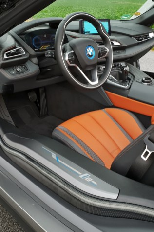 test-bmw-i8-roadster-31