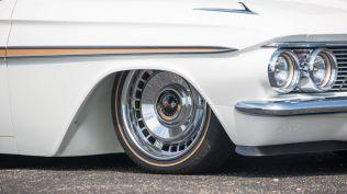 monterey-car-week-2018-chevrolet-impala-restomod-aukce-06