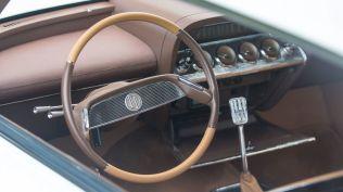 monterey-car-week-2018-chevrolet-impala-restomod-aukce-09