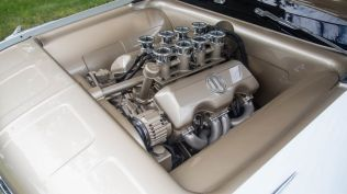 monterey-car-week-2018-chevrolet-impala-restomod-aukce-17