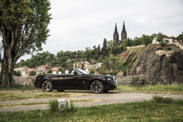 test-2018-rolls-royce-dawn- (2)